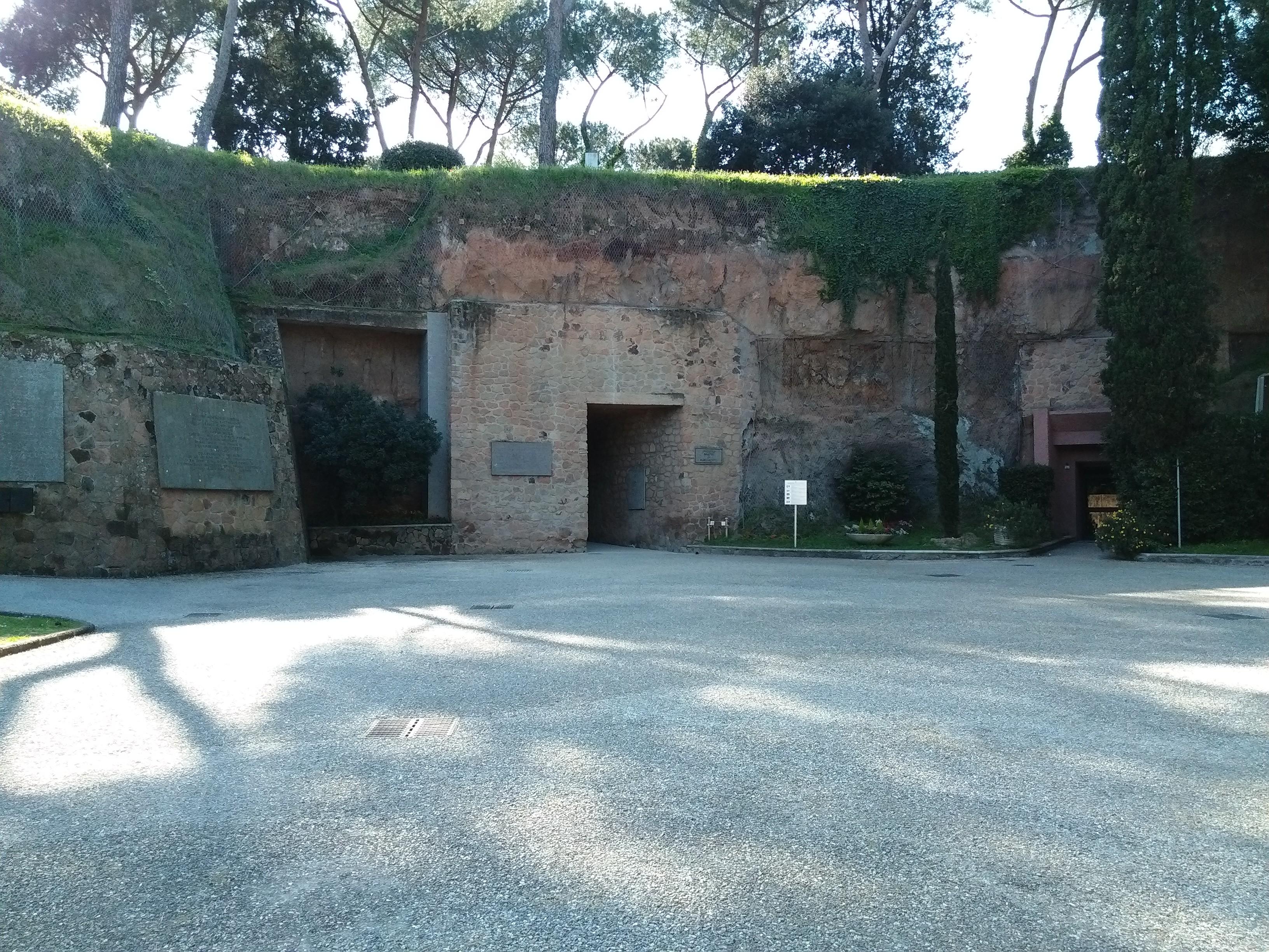 L'ingresso delle Fosse Ardeatine.