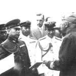 Mussolini con alcuni addetti militari giapponesi