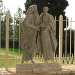 Gruppo scultoreo a ricordo dell'incontro tra Atenagoras e Paolo VI a Gerusalemme - Ori