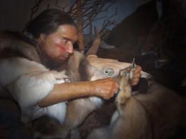 Ricostruzione dell'uomo di Neandertal nel Neanderthal Museum di Mettmann