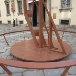Facciata dell'Ambrosiana e scultura di Libeskind