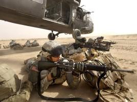 1st_Armored_Division_dismount_a_UH-60_Blackhawk