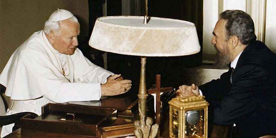 fidel-castro-visita-prima-volta-vaticano-1996