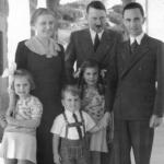 1938, Hitler in compagnia della famiglia Goebbels
