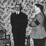 Hjalmar Schacht con Adolf Hitler nel 1936