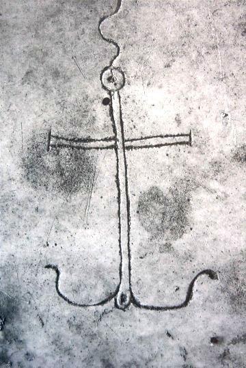 Croce latina ad ancora, Catacombe di Domitilla