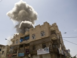 aerial_bombardments_on_sanaa_yemen_from_saudi_arabia_without_the_right_aircraft-_injustice_-_panoramio