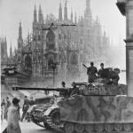 Un corazzato tedesco in piazza del Duomo a Milano