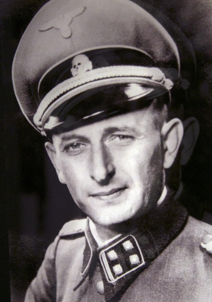 adolf-eichmann-in-divisa