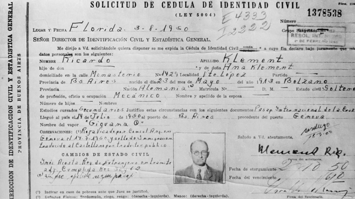 La carta d'identità argentina di Eichmann
