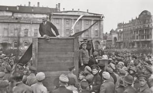 1920px-after_lenin_speech_1920