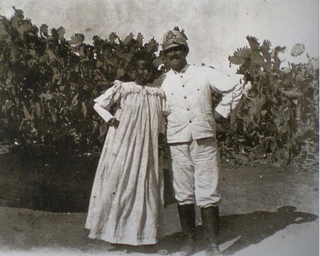 Un ufficiale italiano e la sua madama